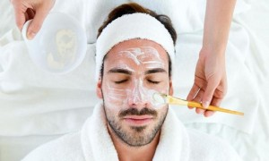 Biar Nggak Kucel, 5 Skincare Dasar Khusus Cowok Ini Sebaiknya Dipakai Tiap Hari